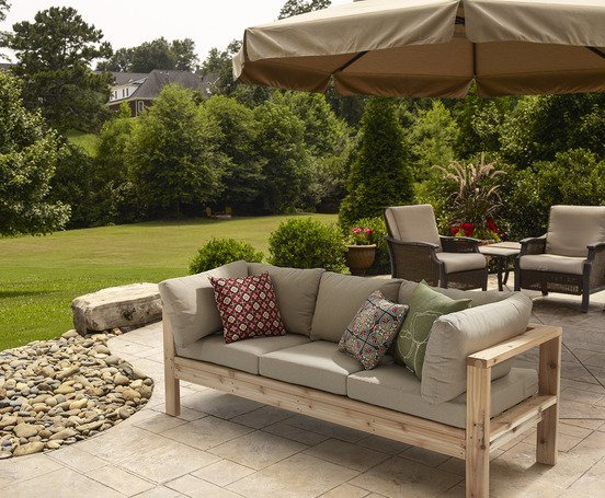 DIY outdoor sofa by Ana White - DIY Outdoor Loveseat And Sofa - The Handyman's Daughter