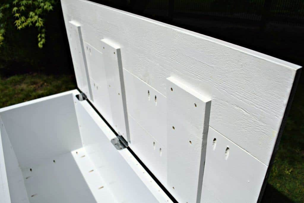The inside of the storage bench lid has cross beams for added stability - thehandymansdaughter.com