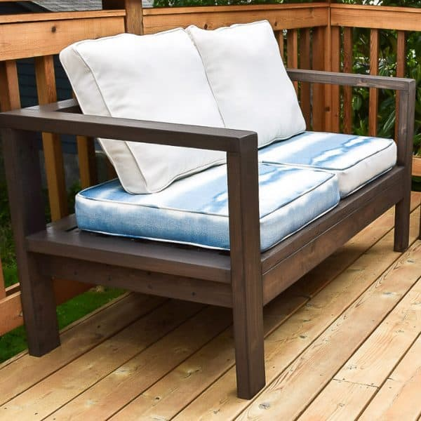 DIY outdoor loveseat