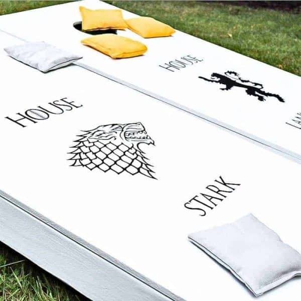 Want to make your own Game of Thrones game in the backyard? These cornhole boards are sure to be a hit at your next tailgate or BBQ!