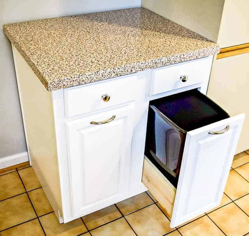 80s Kitchen Cabinets Trash Cabinet The Handyman 39 S Daughter