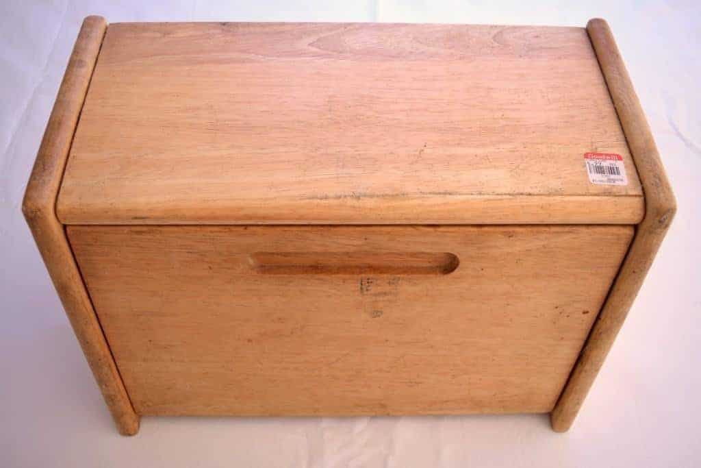 This bread box from the thrift store was in sad shape, but with some chalk mix paint and stencil, it will soon be completely transformed! - The Handyman's Daughter