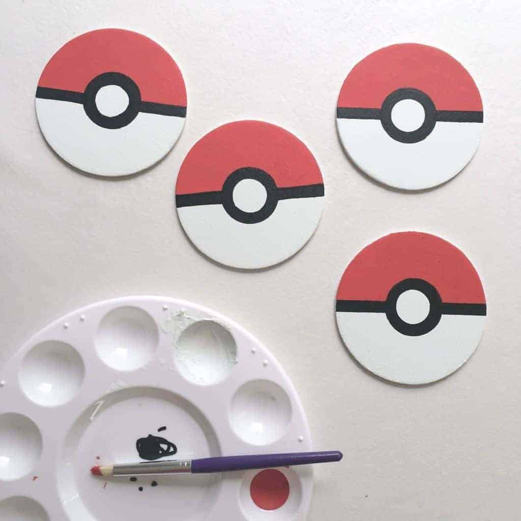These pokeballs are adorable as is, but they'll be even better when used as curtain tie backs for my son's Pokemon themed bedroom! - www.thehandymansdaughter.com