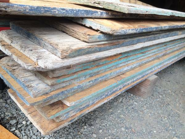 Photo by Earthwise Architectural Salvage - Where To Find Reclaimed Wood {That Isn't From A Pallet} - The