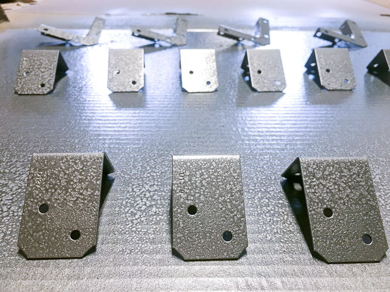 angle brackets for blanket box spray painted with hammered metal spray paint
