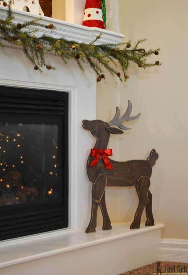 How adorable is this wooden reindeer by Her Tool Belt?