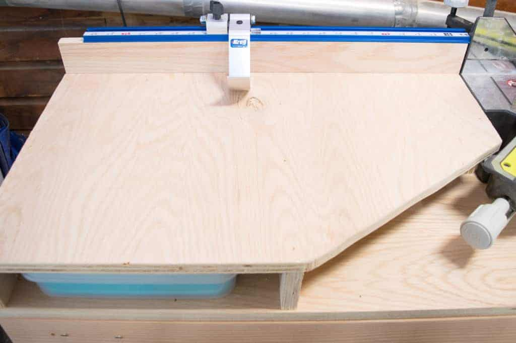 These miter saw side supports make handling long pieces of lumber easy! And the Kreg stop system allows me to make multiple cuts without taking out the measuring tape.