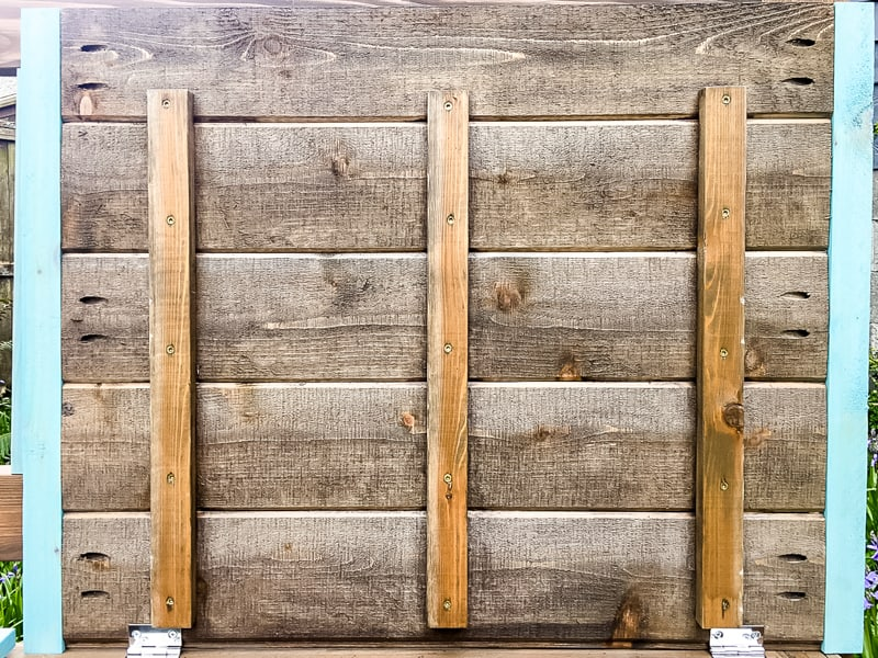 underside of outdoor storage bench lid