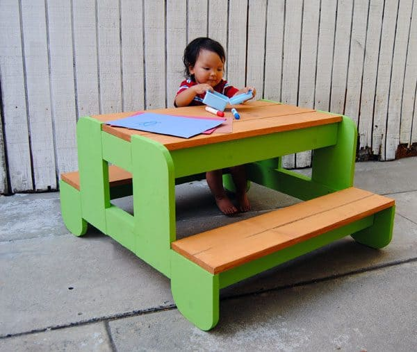 kids picnic table with rounded corners
