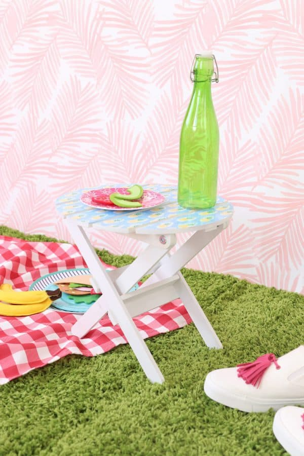 DIY mini picnic table