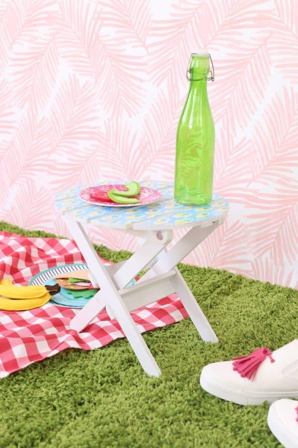 DIY mini picnic table