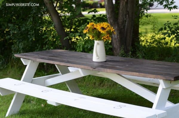 DIY farmhouse style picnic table