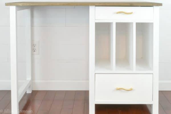 DIY desk plans - desk with vertical storage