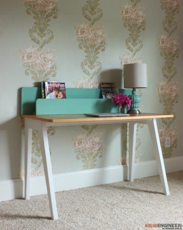 DIY desk plans - modern desk with organizer