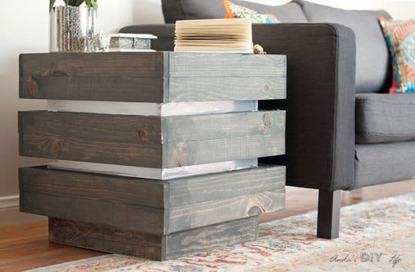 grey wood stain projects - end table using Varathane Carbon Gray