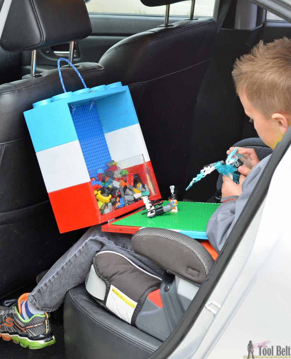 DIY portable Lego tote with fold down baseplate for playing in the car