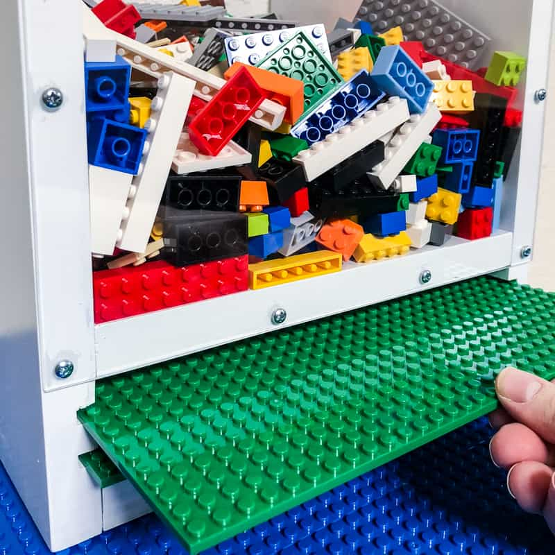 DIY Lego bin with slots for baseplate storage