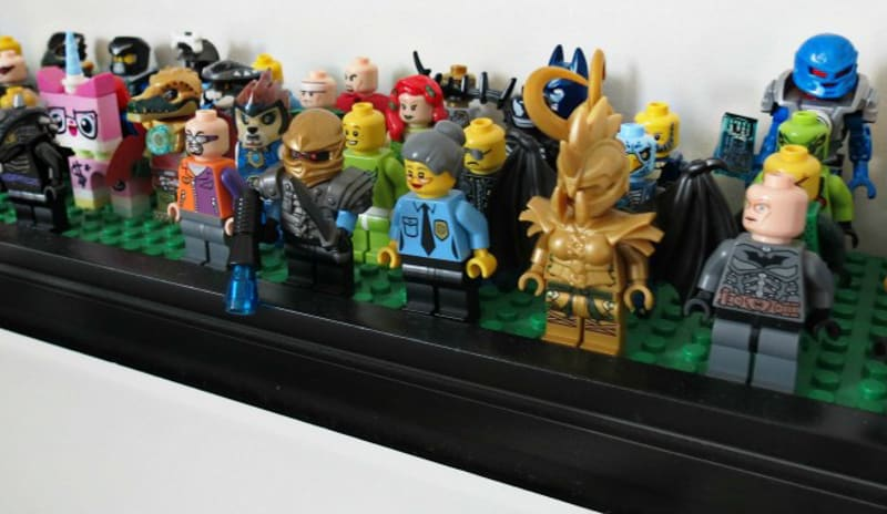 DIY Lego Minifigure Shelf