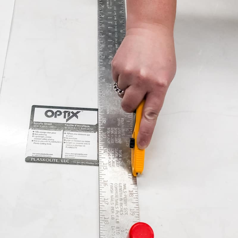 how to cut acrylic or plexiglass by hand by scoring