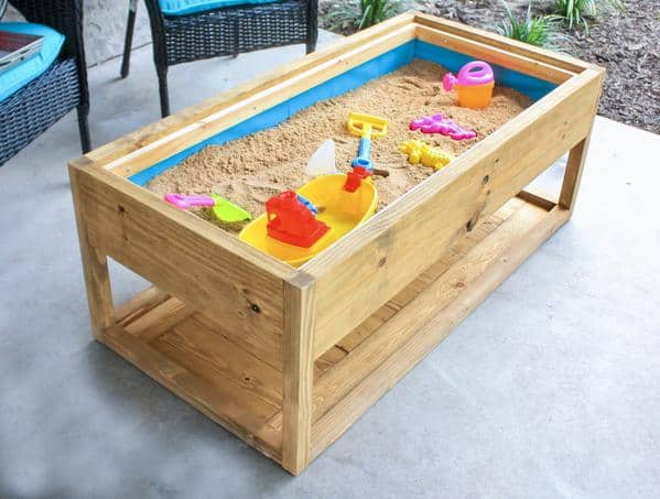 DIY Outdoor Coffee Table with Sandbox