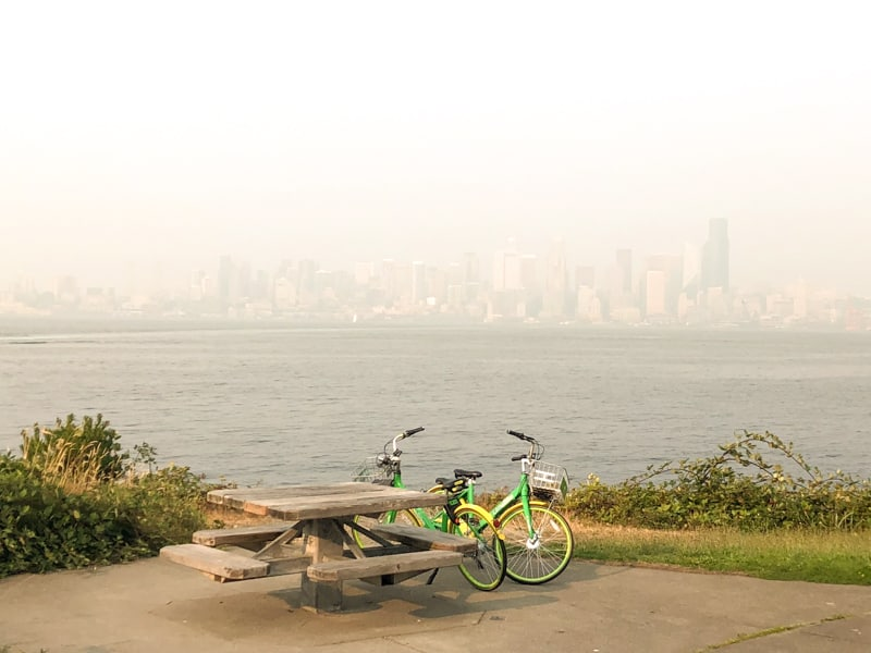 smokey Seattle skyline