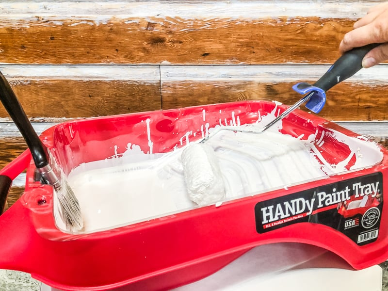 HANDy Paint Tray used for painting wood paneling