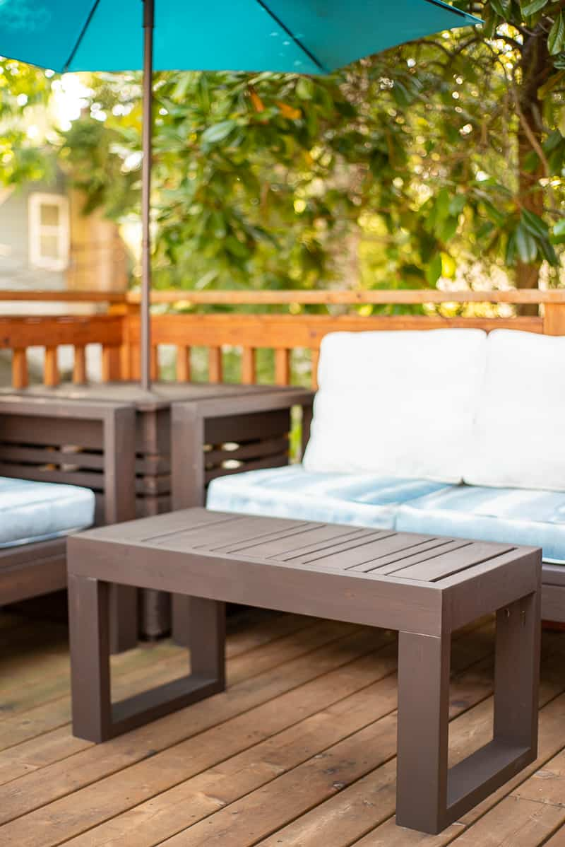 DIY outdoor coffee table in outdoor seating area