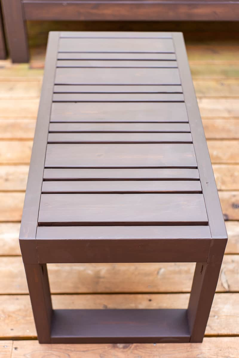 DIY outdoor coffee table that can also be used as a bench