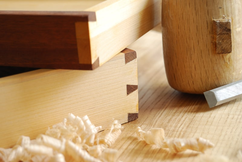 dovetail joints on drawer boxes