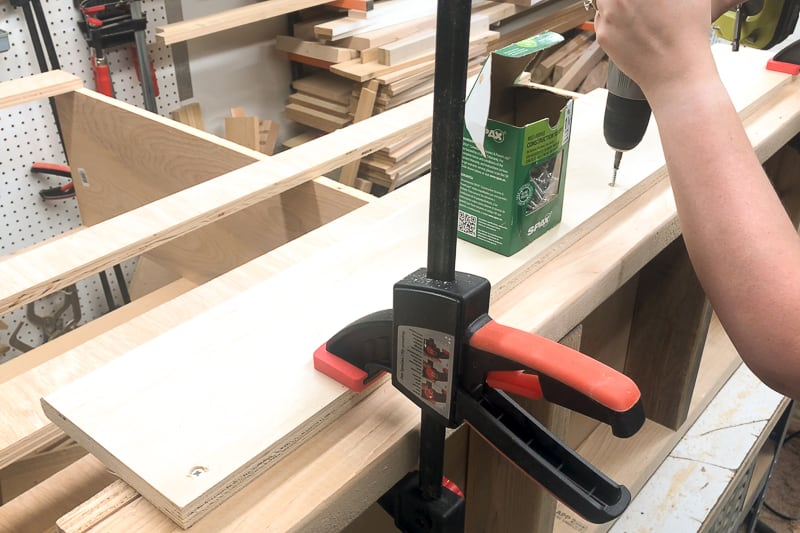 attaching front of lumber cart with screws