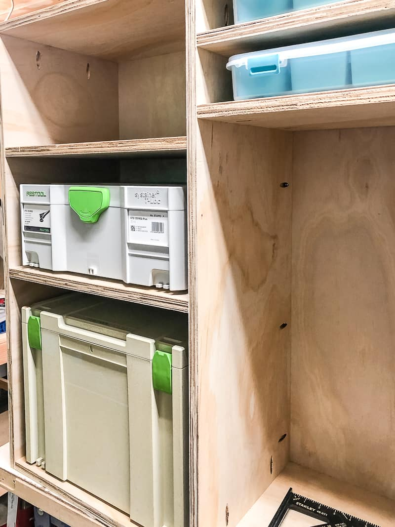 DIY workbench shelves with Festool boxes