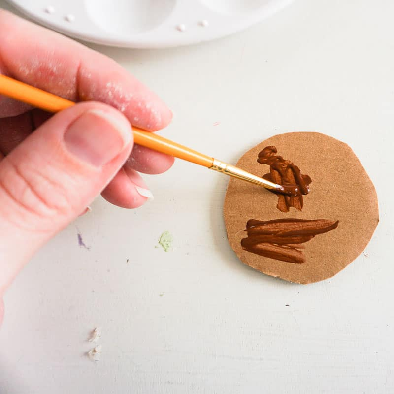 painting cardboard circle for coffee ornament