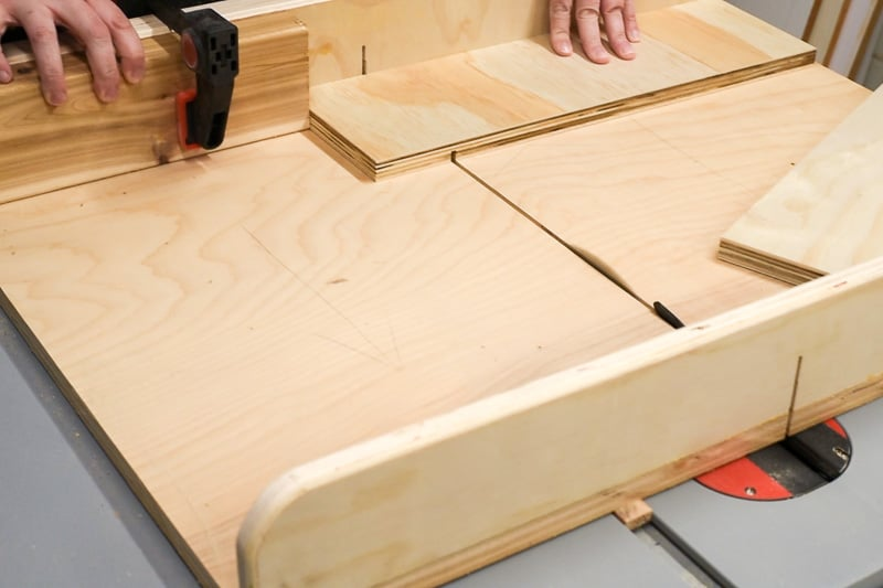 cutting grooves in DIY drawer organizer sides with a table saw and crosscut sled