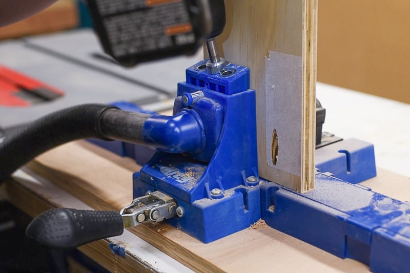 drilling pocket holes in plywood with a Kreg Jig K5