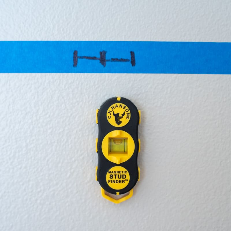 finding a stud with a magnetic stud finder compared to results from electronic stud finder