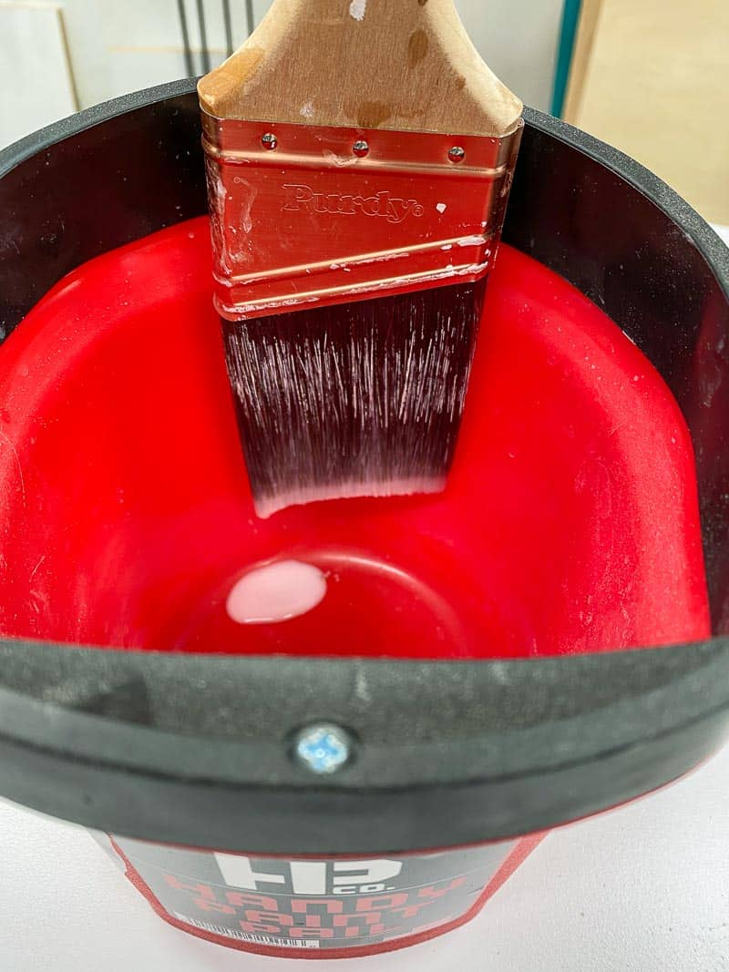 drip drying paint brush in the Handy Paint Pail