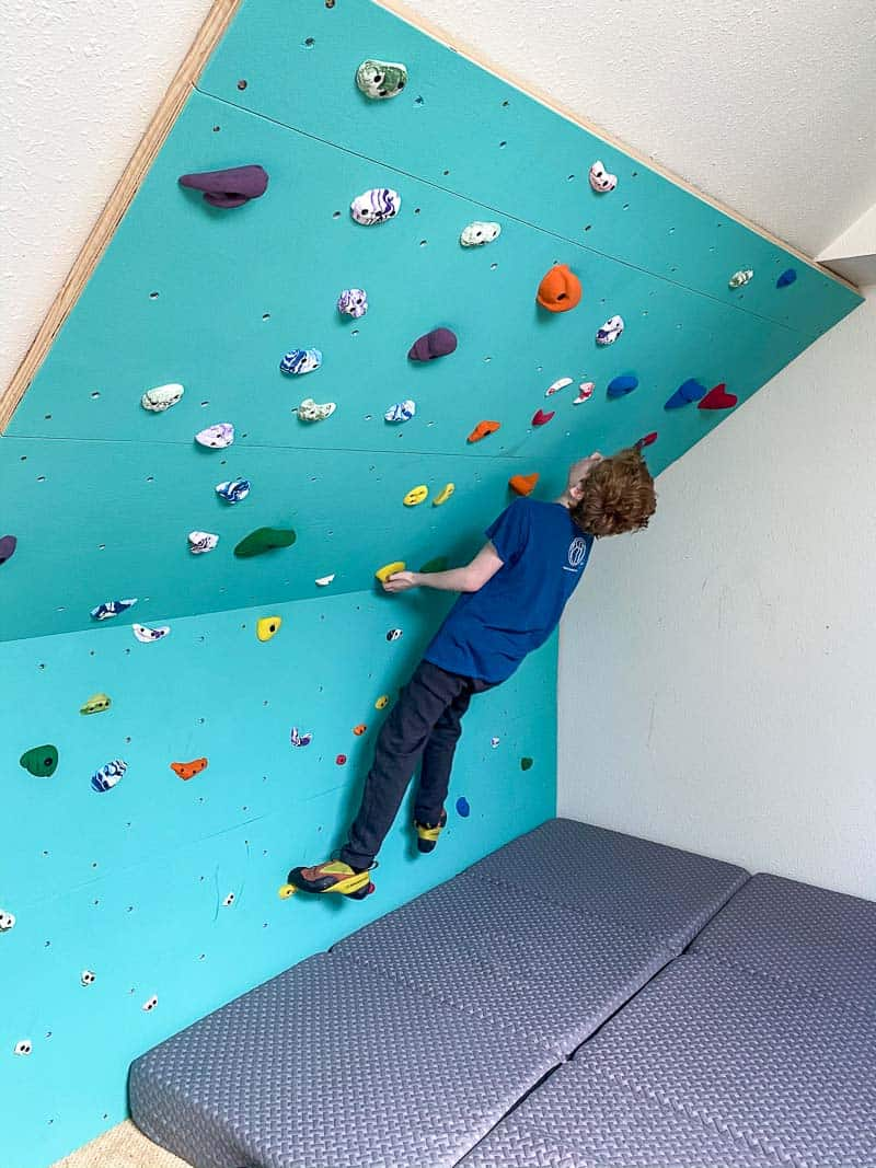 DIY climbing wall with underhand start holds