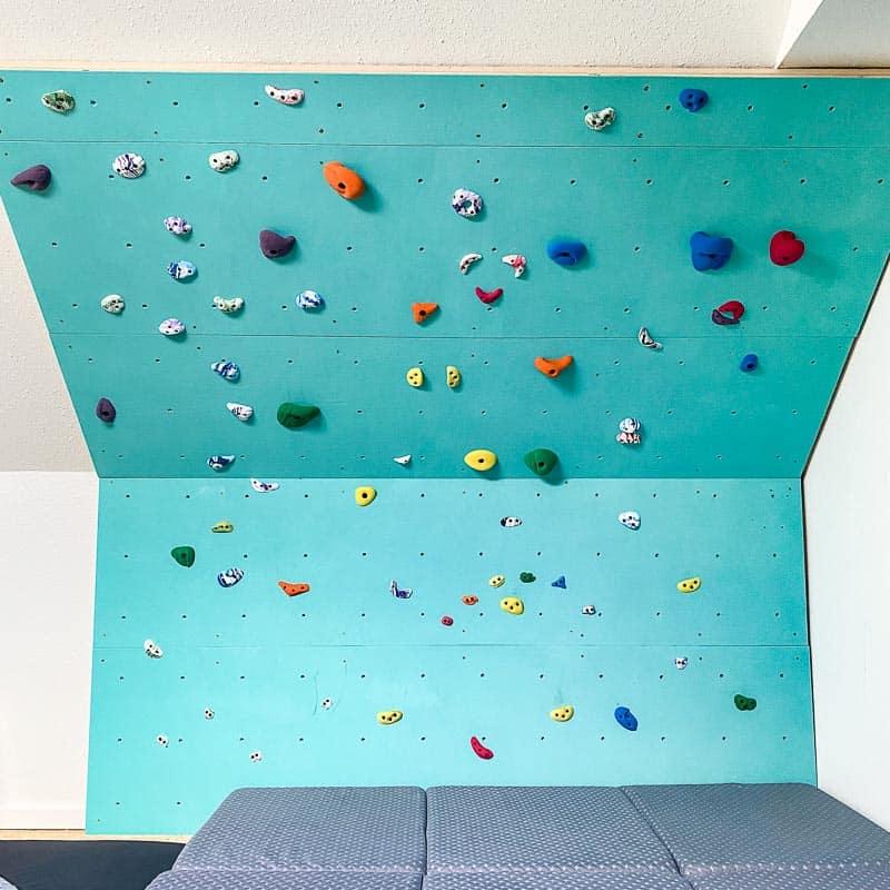 DIY indoor climbing wall
