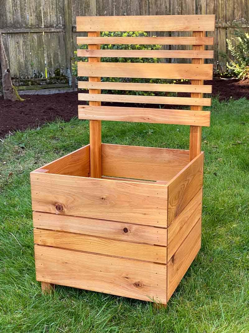 DIY planter box with trellis
