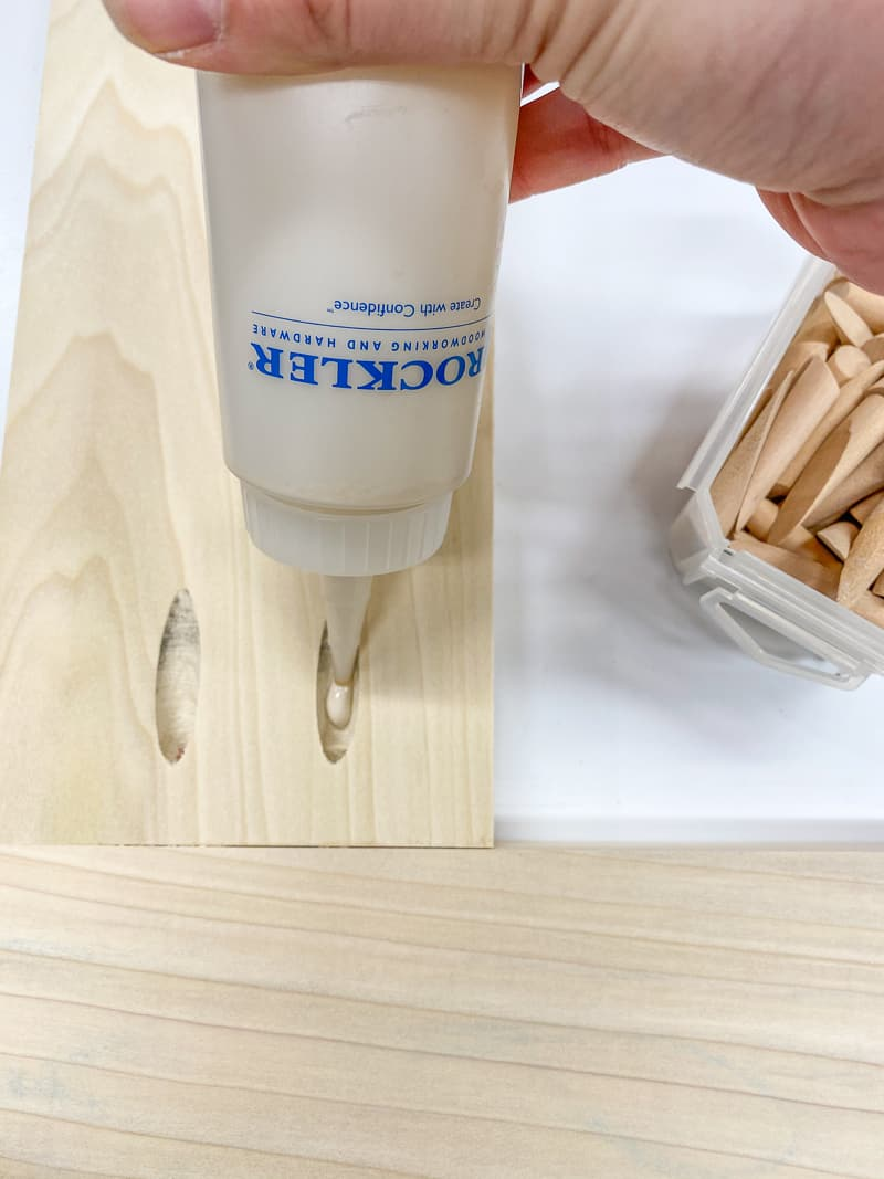 filling pocket holes with wood glue