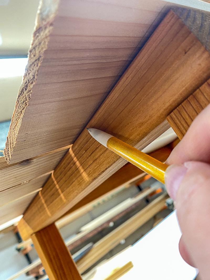 marking ends of slats from underneath