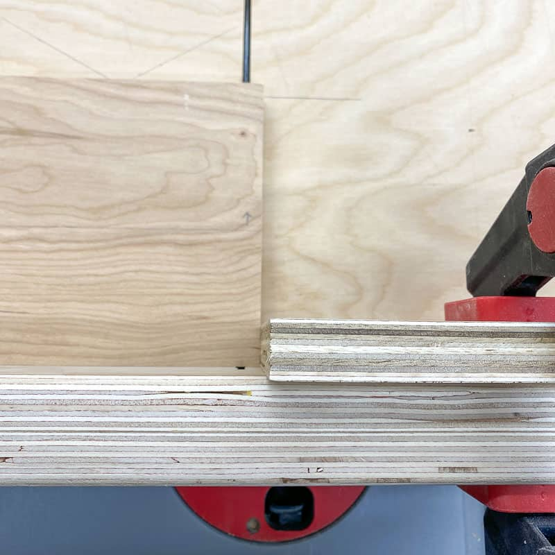 cutting grooves in sides of laptop stand for dividers on the table saw