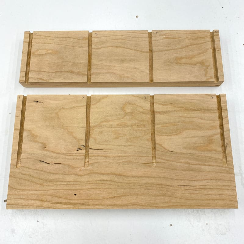 grooves for vertical dividers in DIY laptop stand