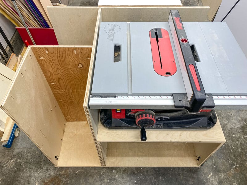 table saw stand base complete with saw on top