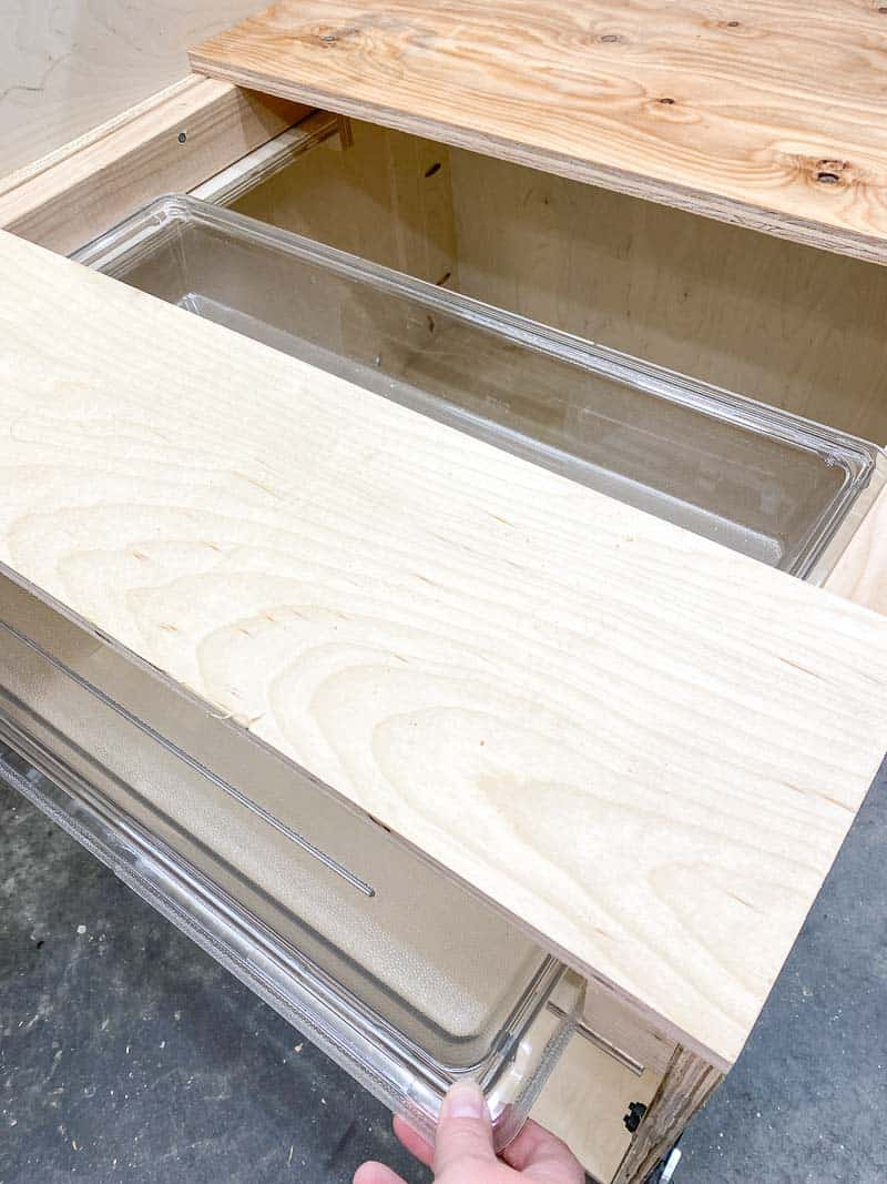 dust tray in table saw stand