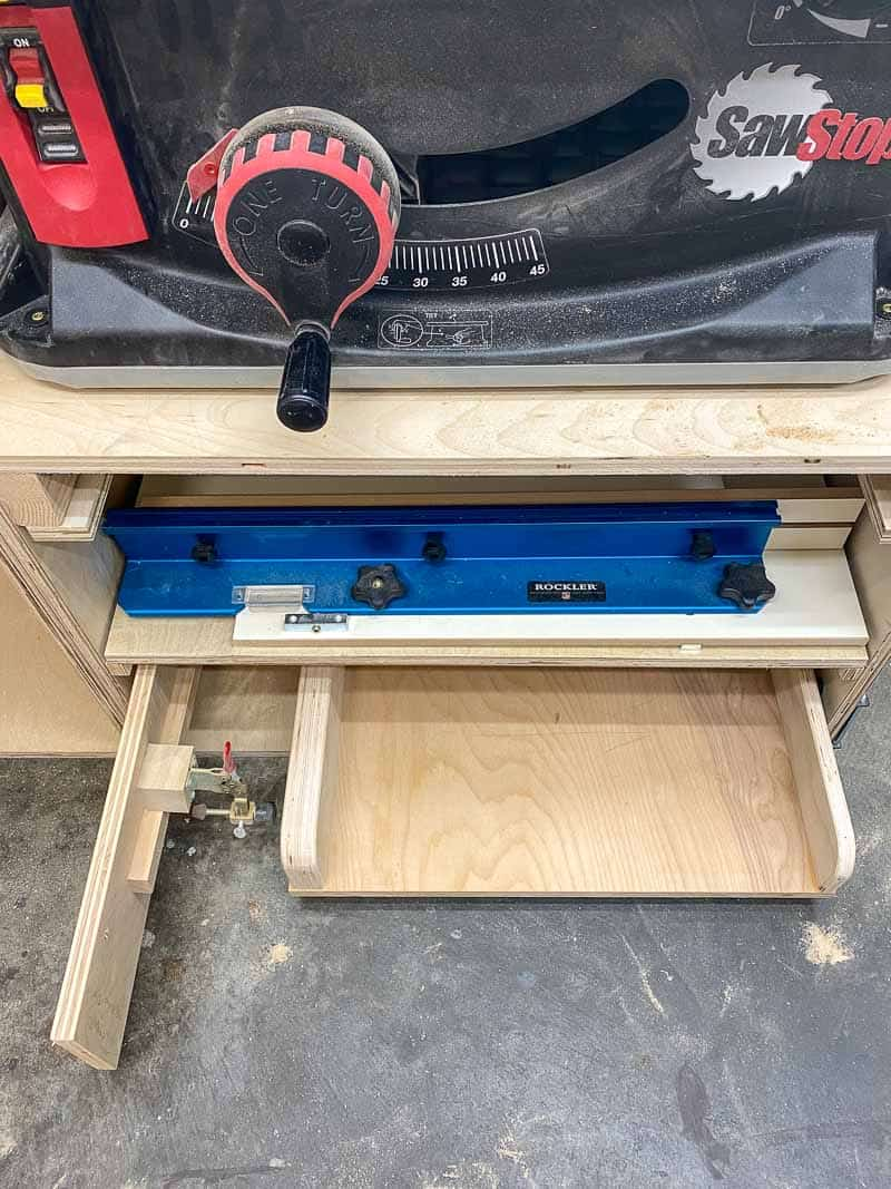 shelf under table saw for sleds and jigs