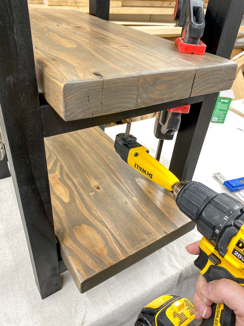 attaching shelf to legs of DIY rustic end table
