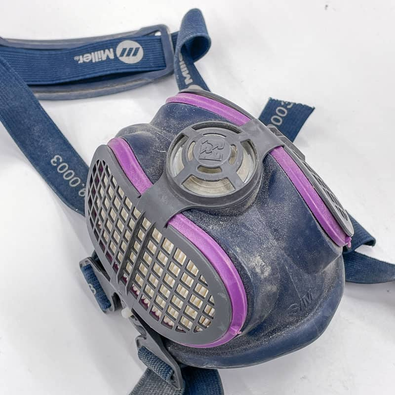 respirator to protect your lungs while spray painting