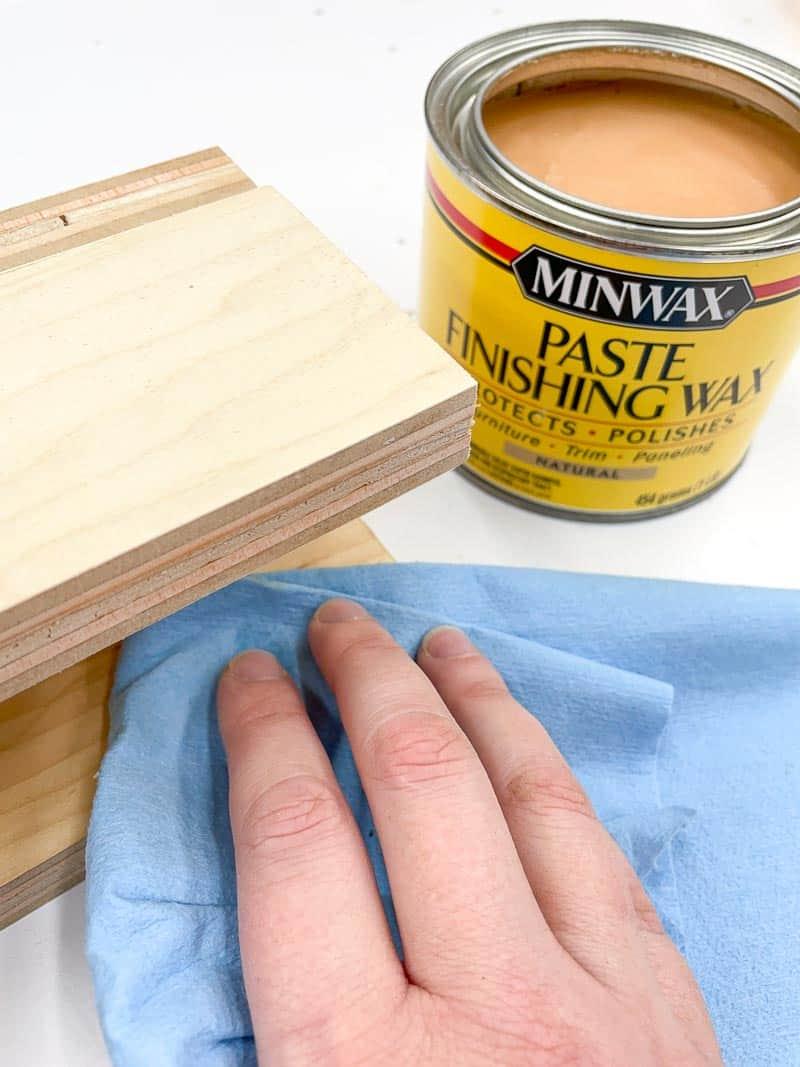 applying paste wax to inside of spline jig saddle