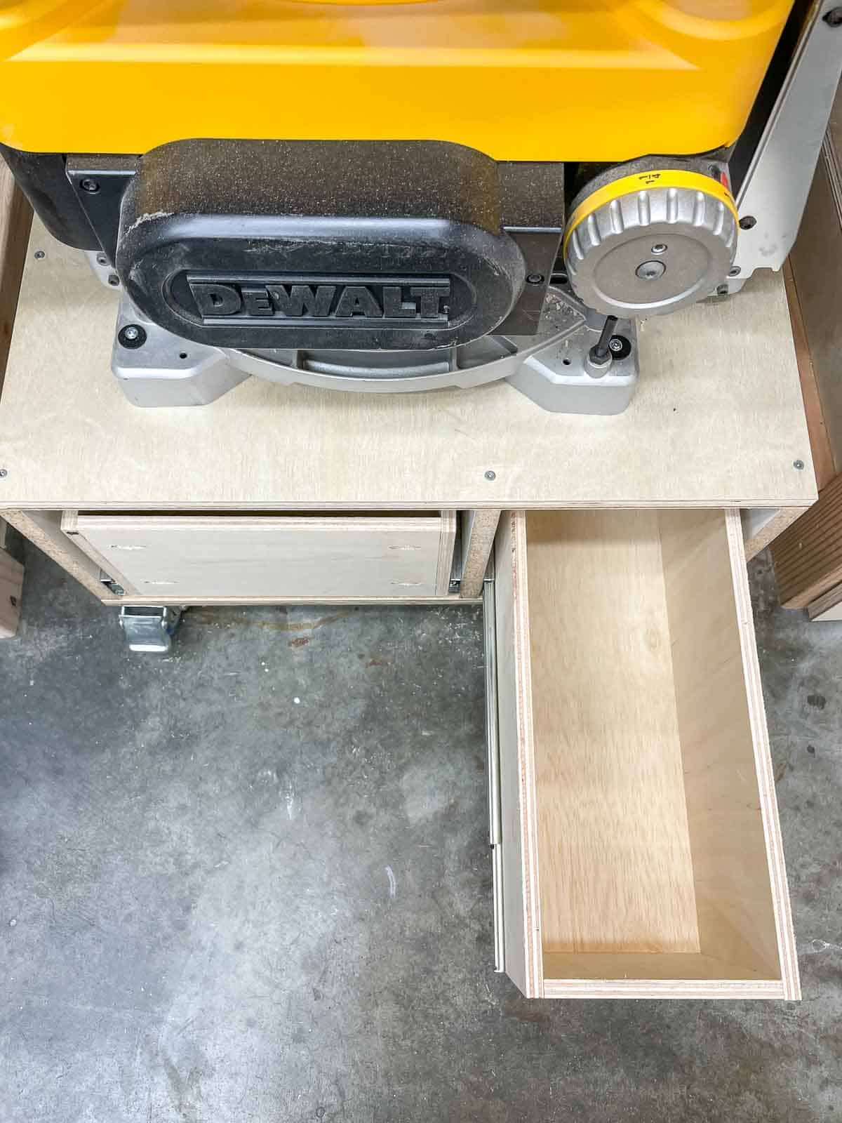 planer stand with drawer pulled out